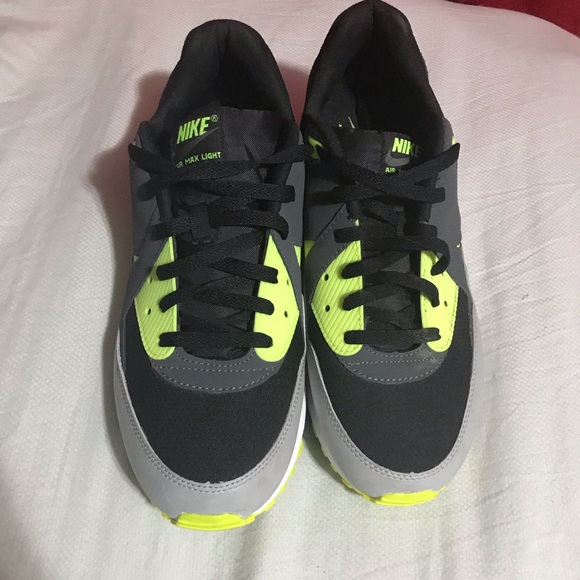 Nike Air Max Light BlackVolt